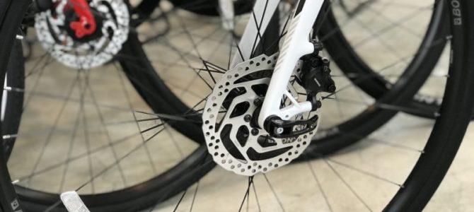 クロスバイクを選ぶときのポイント【ディスクブレーキとリムブレーキ】